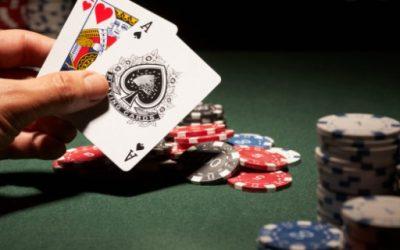 Vinkkejä ja oppitunteja blackjackin pelaamiseen